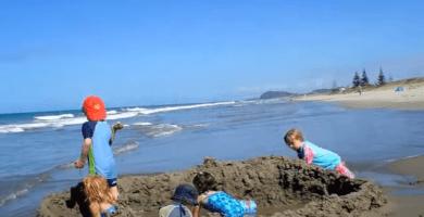 Juegos y juguetes en la playa