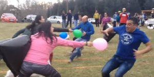 juegos con globos para adultos