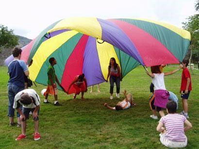 juegos con paracaidas para adolescentes secundaria